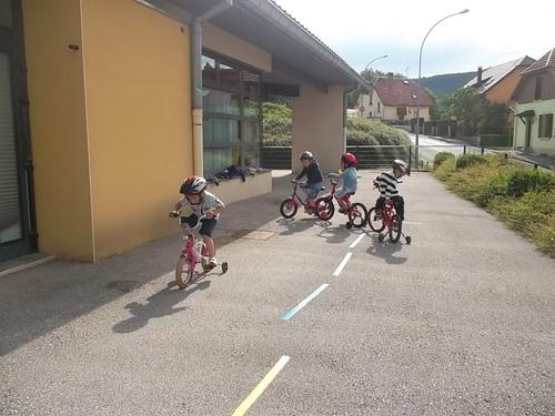Vélo avec toute la classe