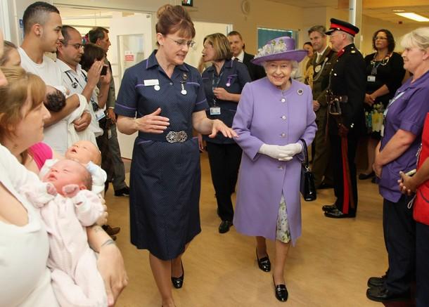 Elizabeth à la maternité