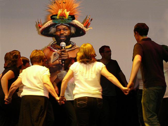 Danse avec les Papous - 14 avril 2013