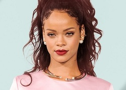 Rihanna fête les 10 ans de Good Girl Gone Bad
