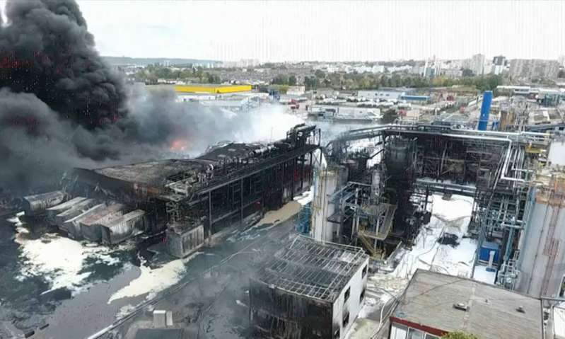 Incendie de Lubrizol à Rouen: 9050 tonnes de produits partiellement brûlées chez l'entreprise voisine
