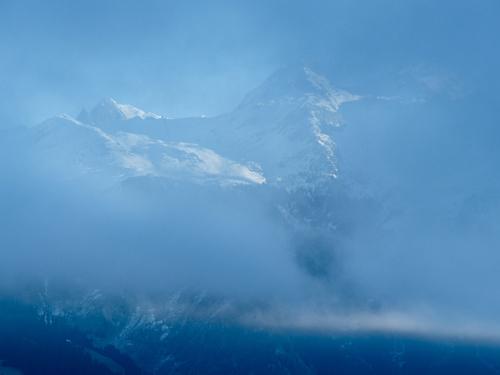 Entre nuages et brume :