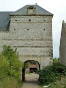 LES REMPARTS DE VIENNE-EN-BESSIN (Calvados)