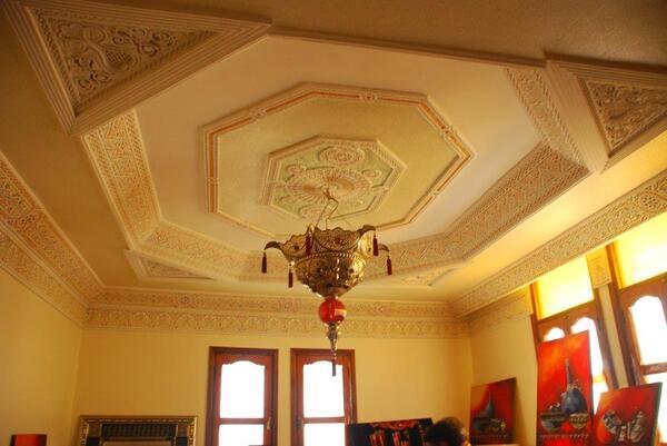 Le plafond de la caverne d'Ali Baba est magnifique