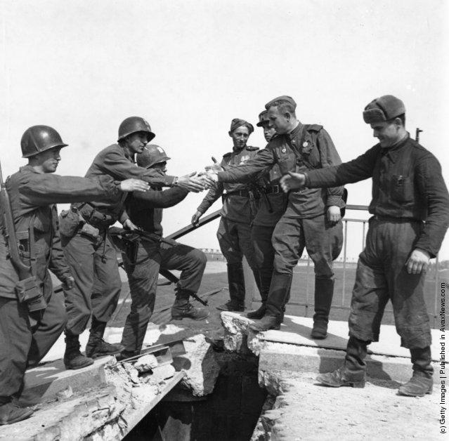 Photos Anciennes - L'année 1945 en images - Partie 1