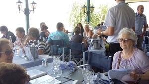 déjeuner à yvoire au restaurant du port, face au lac
