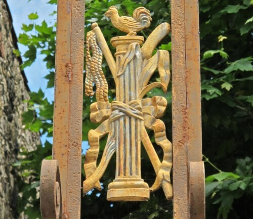 Croix de mission Lunas coq