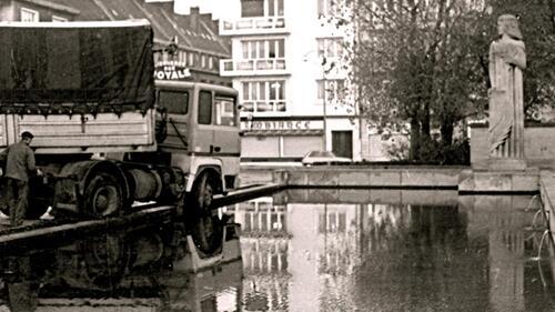 Calais : Un plongeon dans le bassin du monument aux morts