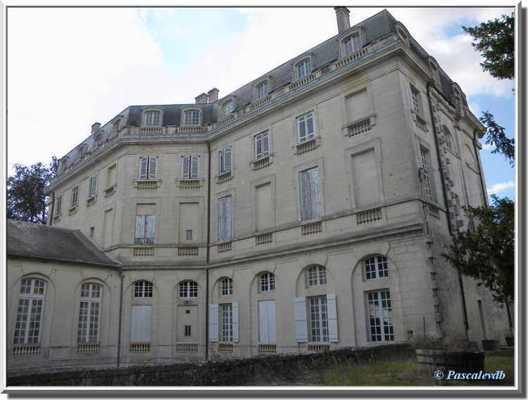 Château du Bouilh - arrière du corps de logis