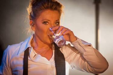Sheila boit : 2006