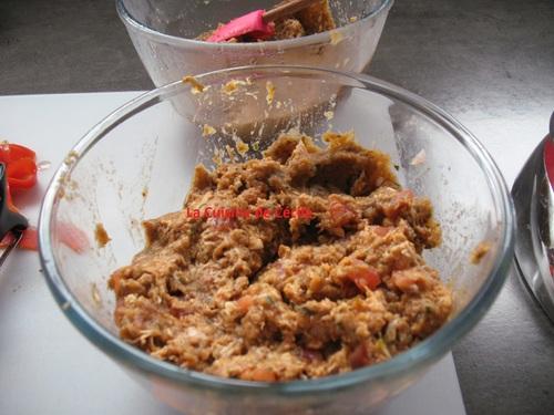Cannellonis de volaille au caviar d'aubergine et tomates