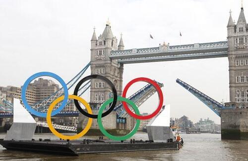 jo de londres anneaux olympiques london bridge