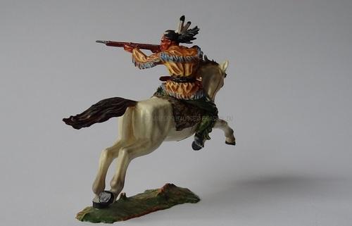 Réf: 6851 Cavalier indien tirant sur la gauche avec son fusil