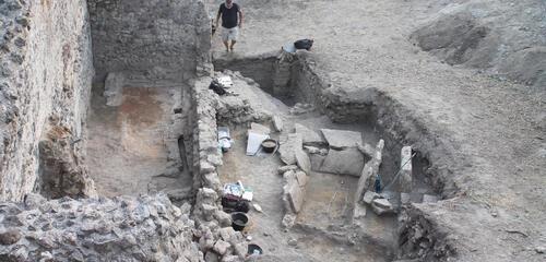 Une tombe de 2500 ans