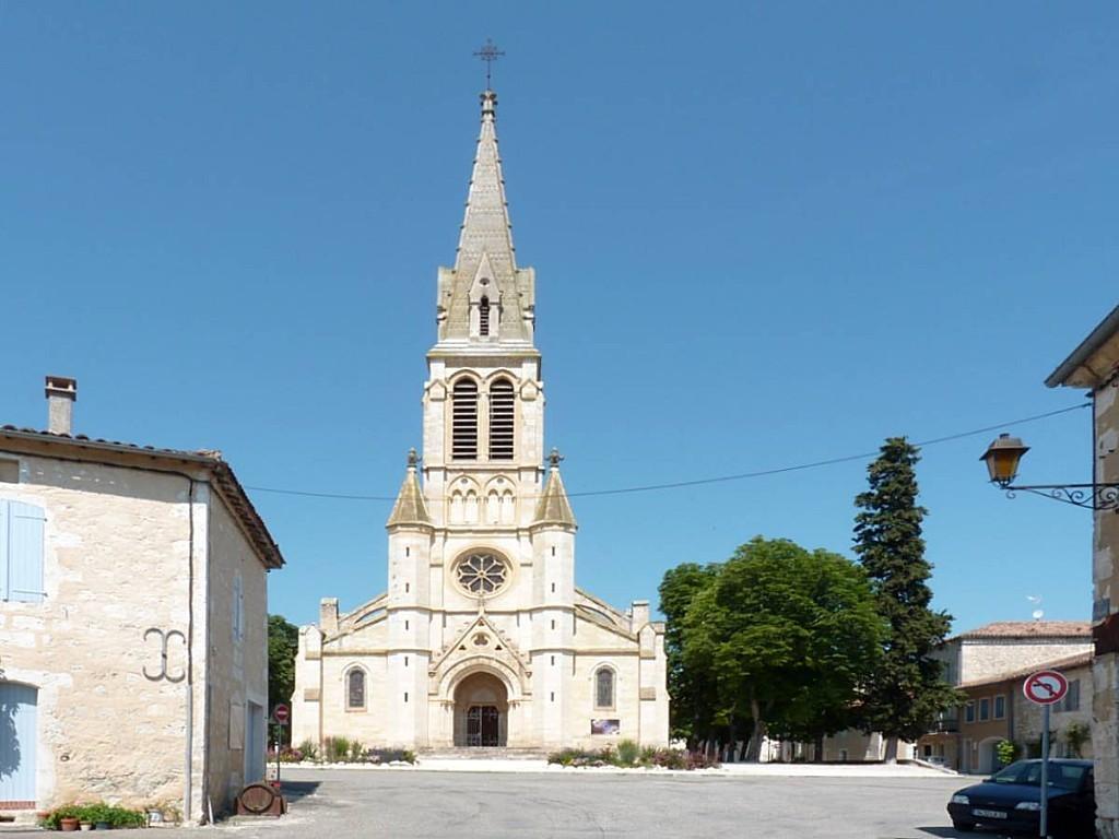 Eglise-de-Saint-Clar.jpg