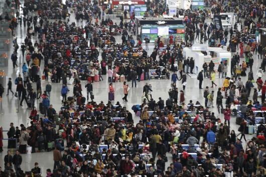 Dans une des gares de Shanghaï, le 9 février (Reuters).