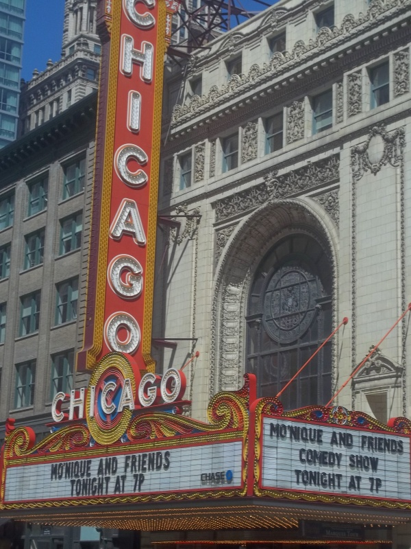 le Chicago Theater.