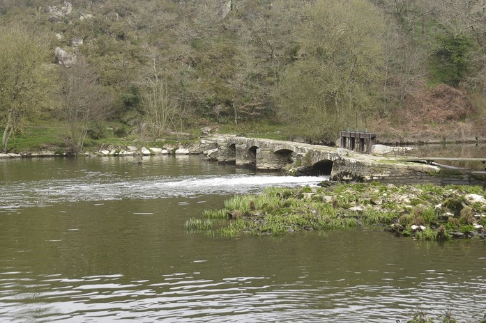jeudi - La pont de pierre des deux provinces