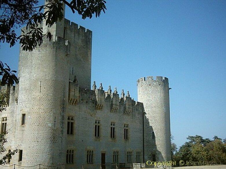 le Château de Roquetaillade a Mazère (Gironde) monument Historique