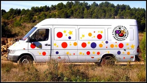 Le nouveau camion de l'association des Joyeux Troubadours