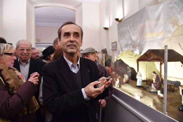 Béziers : l'Etat attaque en justice l'installation de la crèche mobile de Noël. Une fois de plus l'âne Ménard a perdu...