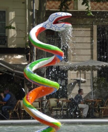 fontaine Beaubourg Niki de Saint-Phalle serpent