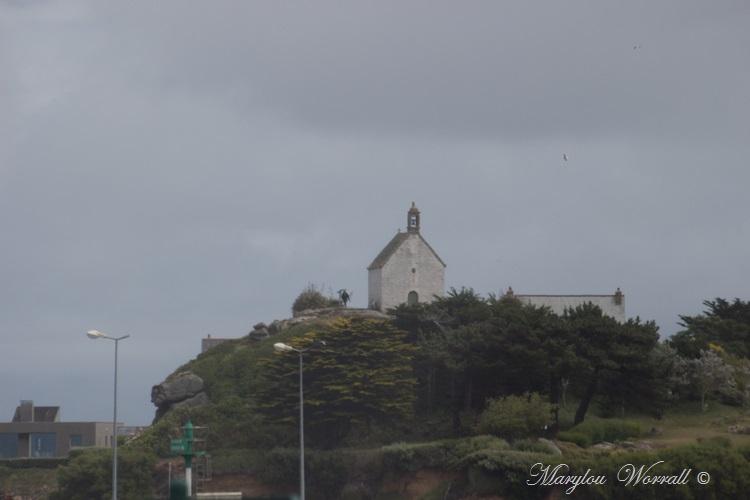 Roscoff : Chapelle Sainte Barbe et bord de Manche