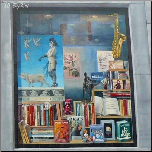 Fresque-Wallons-vitrine-centrale-droite.JPG