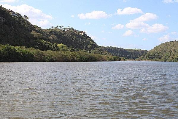 sur le fleuve Chavon (6)