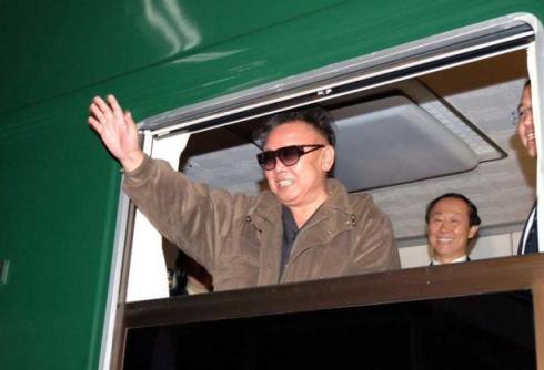 Kim Jong-il dans son jolie train vert est mort !