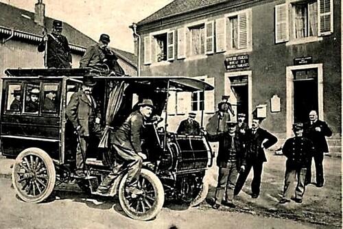 Les très anciens autocars