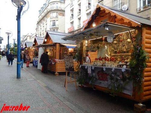 Limoges: Top départ, la ville a transformé son centre ville en village de Noël