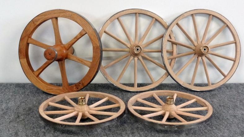roue en bois a vendre elektrische landbouwvoertuigen. Black Bedroom Furniture Sets. Home Design Ideas