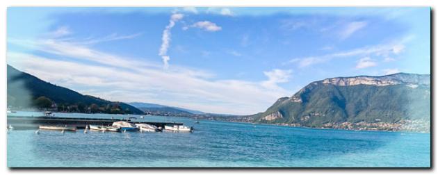 Voir la vue sur le lac d'Annecy