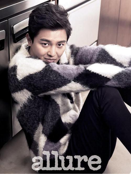 Yun Woo Jin - Allure Magazine October Issue '14