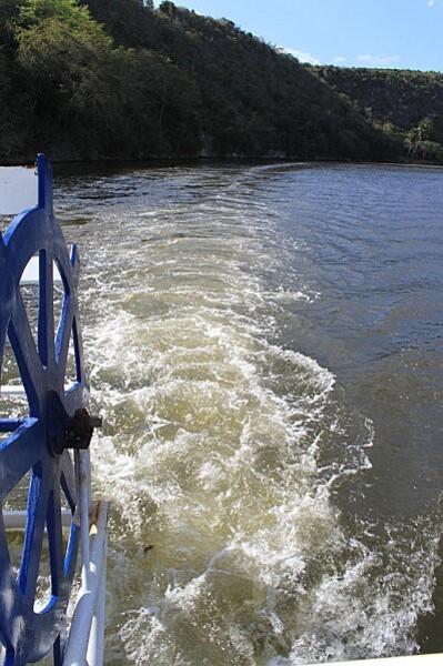 sur le fleuve Chavon (11)