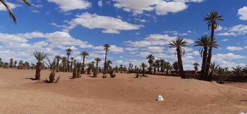 Confinement aux portes du désert