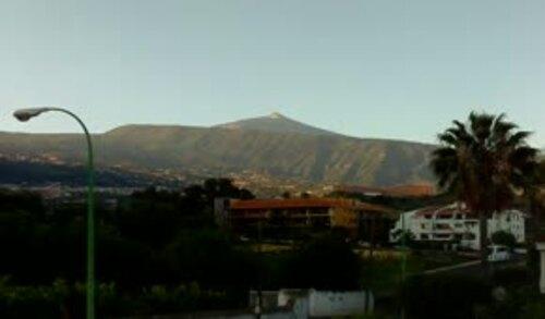 Non, ce n' est pas le Mont Teide en éruption ...