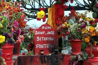 Tombe de Sitarane cimetière de Saint-Pierre.