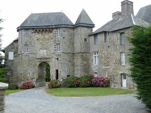 LES REMPARTS DE MESNIL-AMEY (Manche)