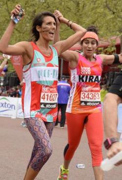 Elle court un marathon sans tampon pour briser le tabou sur les règles