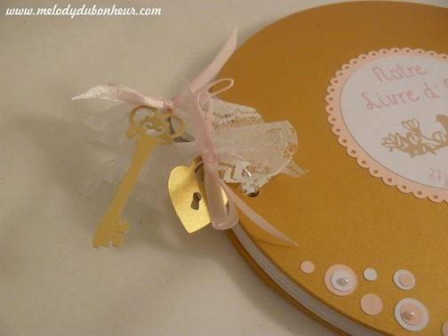 Livre d'or rond mariage romantique doré, rose clair et blanc