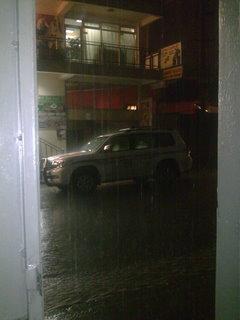 Il pleut la nuit...