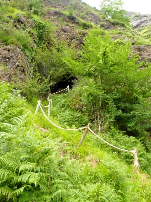 Grotte du Saint qui sue