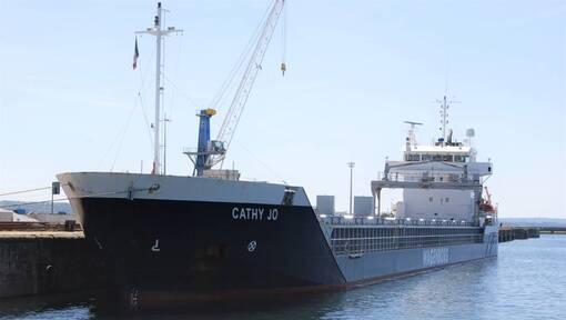 Après l'incendie, le cargo Cathy Jo en réparation à Brest (OF.fr-13/05/19-17h36)