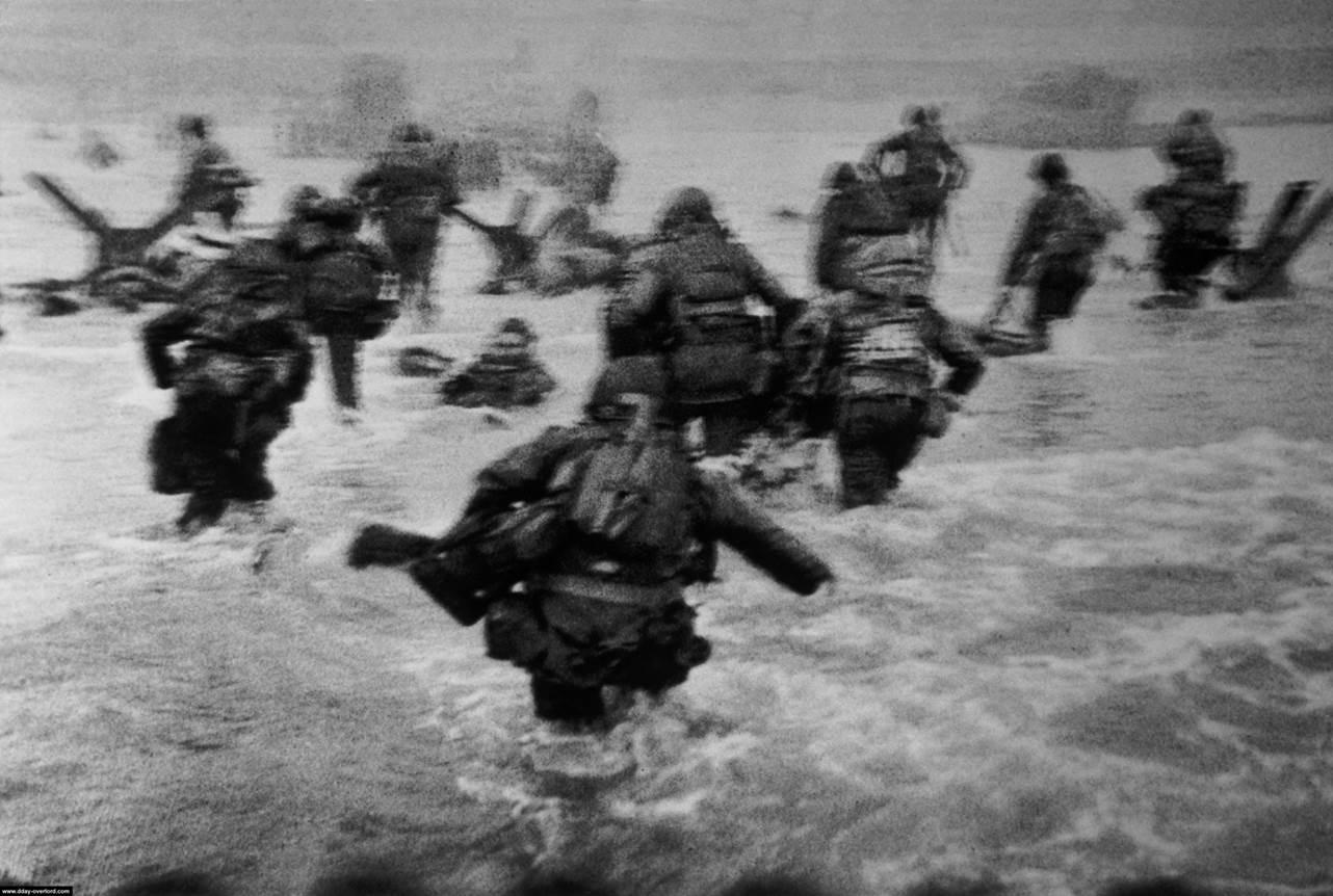 Robert Capa Au Coeur Du Debarquement De Normandie Clio Et Eugea