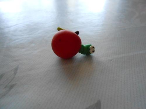 Pomme avec ver