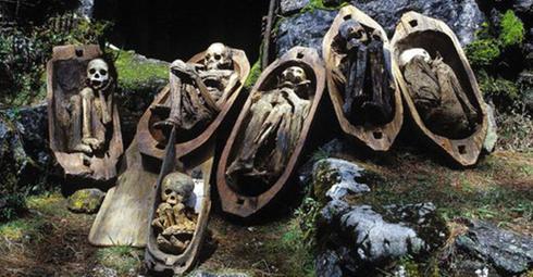 nécropole momies - Cimetière de Kabayan aux Philippines