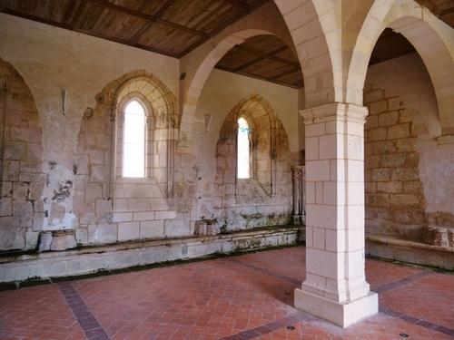 L'abbaye de Sablonceaux et Zaint Pierre d'Aulnay (photos)
