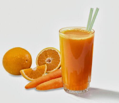 Jus-orange-carotte-500x435